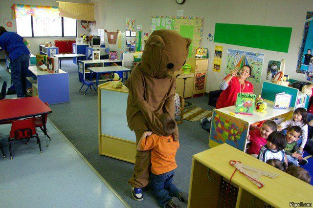 Pedobear mouthraping school children